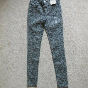 SO Low Rise Leopard Stretchy Twill Jeggings 0 Gray